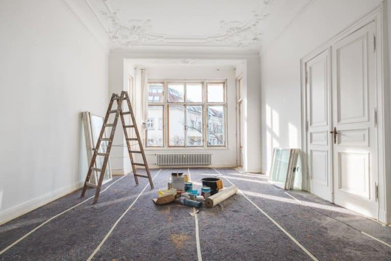 Renovierung - alte Wohnung während der Restaurierung / Renovierung
