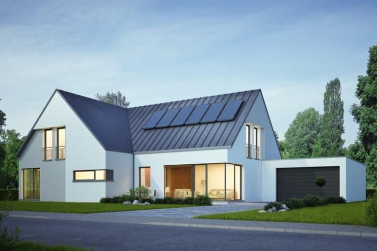 Viele erfüllen sich den Wunsch eines Eigenheims mit einer Baufinanzierung.