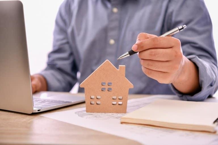 Baubeschreibung und Exposé sind wichtige Bestandteile des Kaufprozesses.