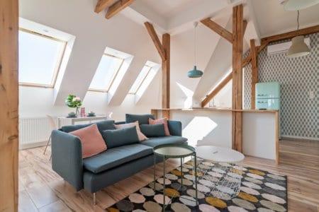 Neu umgebautes Dachgeschoss mit Dachflächenfenstern