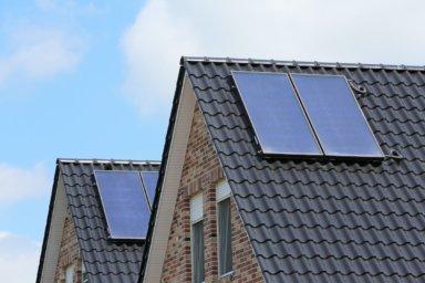 Häuser mit Solarkollektoren